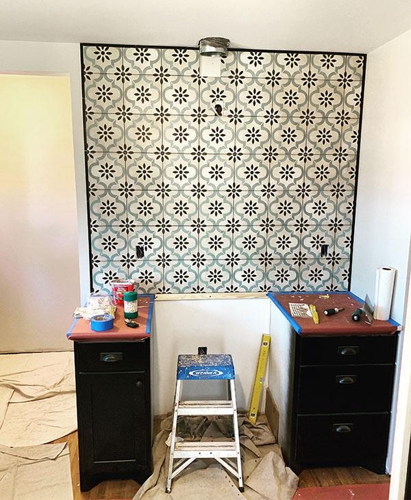 6628 Oliver Ave Richfield Black Kitchen Tile_web