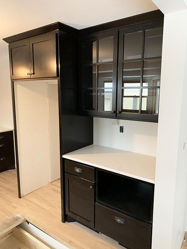 6628 Oliver Ave Richfield black kitchen serving station_web
